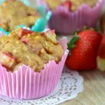 Healthy rhubarb strawberry muffins